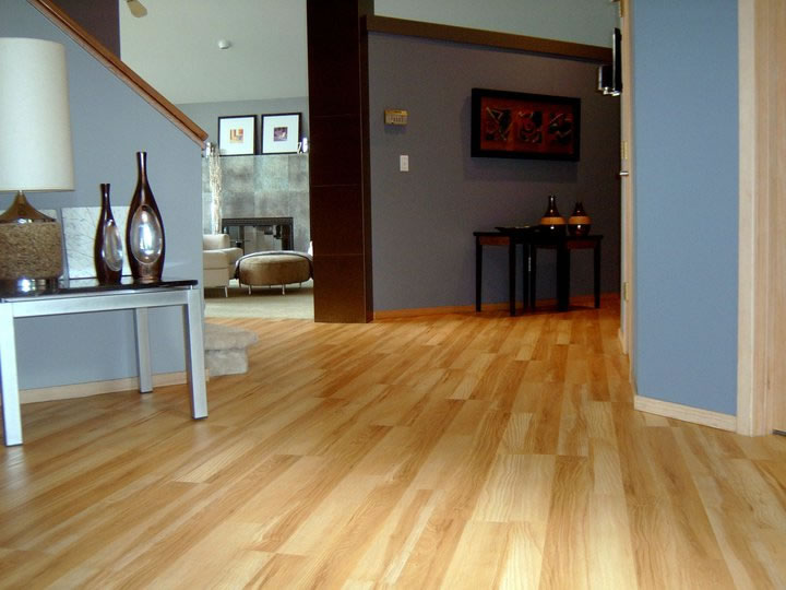 Rustic Maple Floors Are Exceptionally Beautiful And It Has Colour Variations Distinctive Grain Patterns More Visual Wood Character Than A Select Grade